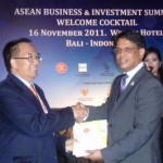 ASEAN launches books on SMEs, investments, integration