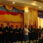ASEAN ministers eye working groups to remove market barriers