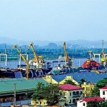 Vietnam shipping lines seek to keep foreign vessels at a distance