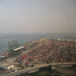 Singapore offers more port perks as traffic decelerates