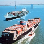 Moody's lowers global shipping outlook to negative