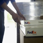 Strong holiday season lifts FedEx 3Q earnings