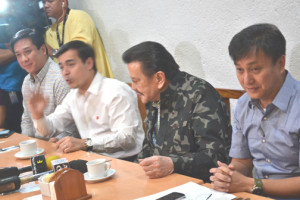 "The Monday meeting between truckers and Manila city officials was attended by among others, (L to R):  Land Transportation Office officer in charge Alfonso Tan, Jr, Vice-Mayor Francisco ""Isko Moreno"" Domagoso, Manila Mayor Joseph Estrada, and Metro Manila Development Authority chairman Francis Tolentino. Photo by Roumina Pablo."