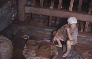Handmaking_coffee_in_Indonesia
