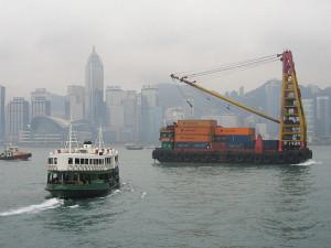 640px-Hong_Kong_cargo_lighter