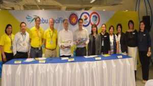 Budget Secretary Benjamin Diokno and Cebu Pacific CEO lance Gokongwei signed the agreement that goves government staff on official business discounts with Cebu Pacific.